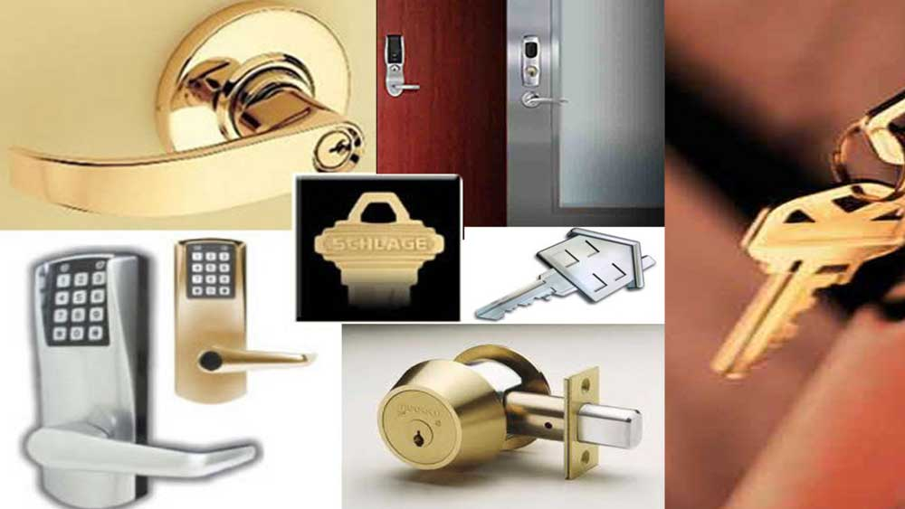 Locksmith Providing Services